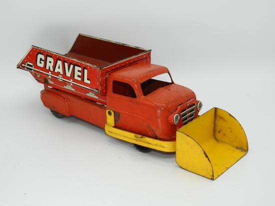 "Marx scooping dump truck ""Sand"", 15""L"