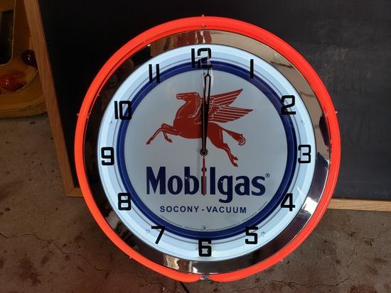 Mobilgas neon clock, 20in