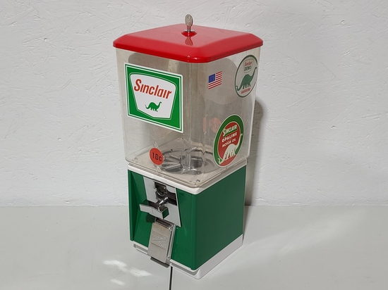 Sinclair .25 gumball machine, with key