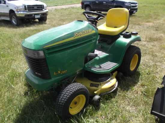 John Deere LX280 Lawn Mower
