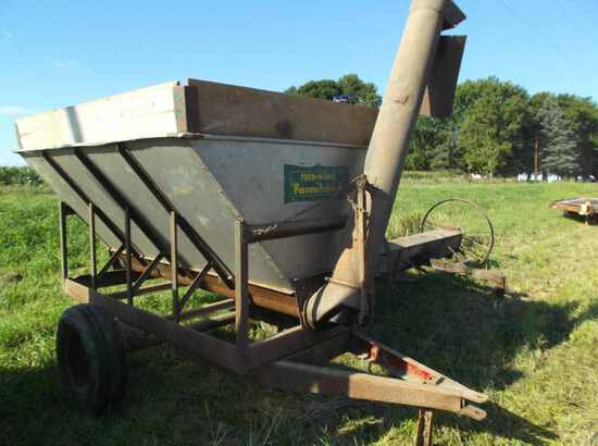 Feed Hand by Farm Hand Feed Wagon