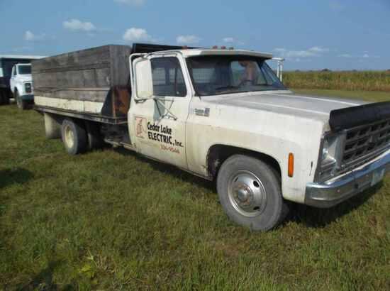 1979 Chevy Custom Deluxe 350 Truck
