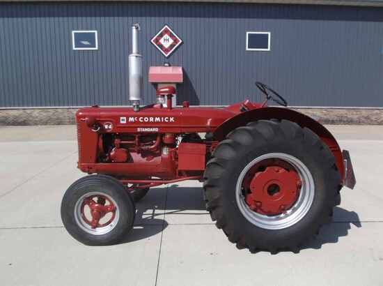 International Harvester Standard W-4 Tractor