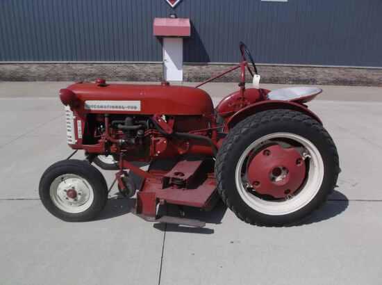 International Harvester Cub  Lo-Boy Tractor