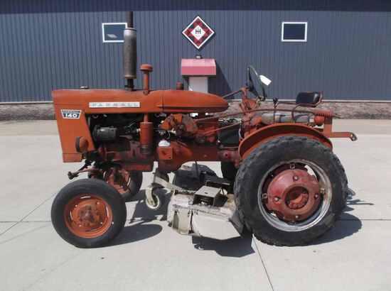 International Harvester 140 Tractor