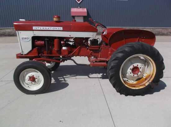 International Harvester 240 Utility Tractor