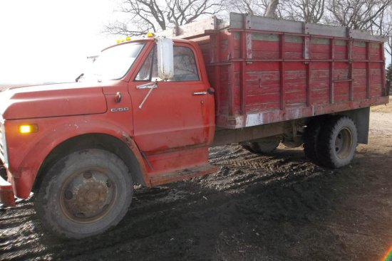 1972 Chevrolet C-50 Grain Truck