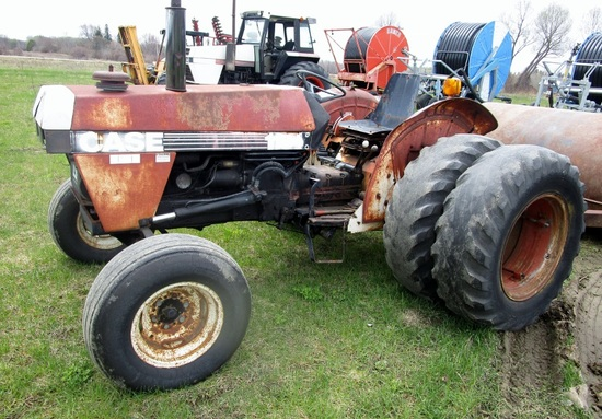 Case 1194 Tractor with duals