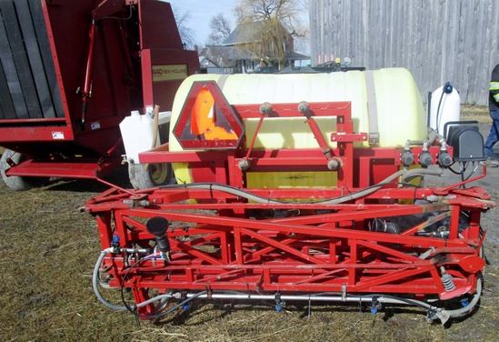 Gibson 3pth 300 Gallon Field Sprayer!