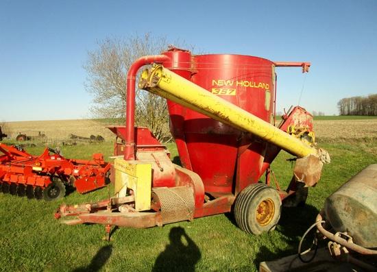 New Holland 357 Hammer Mill!