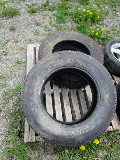 275165R20 Michelin LTX-AT2 Tires!
