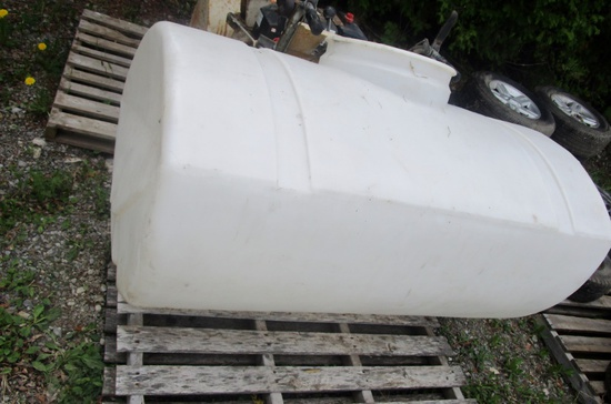 200 Imperial Gallon Poly Water Tank!