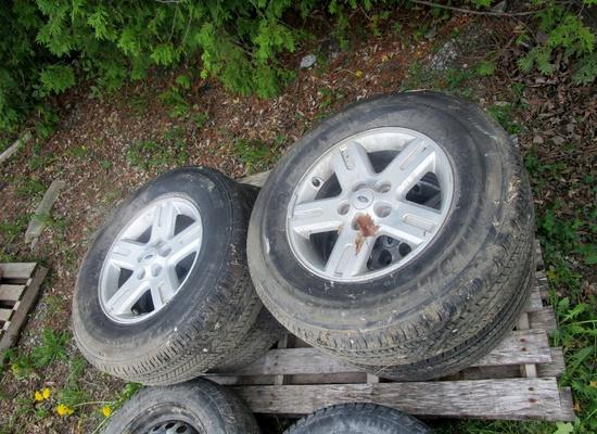 235-70R16 Bridgestone Dualer H/L Tires on Rims!