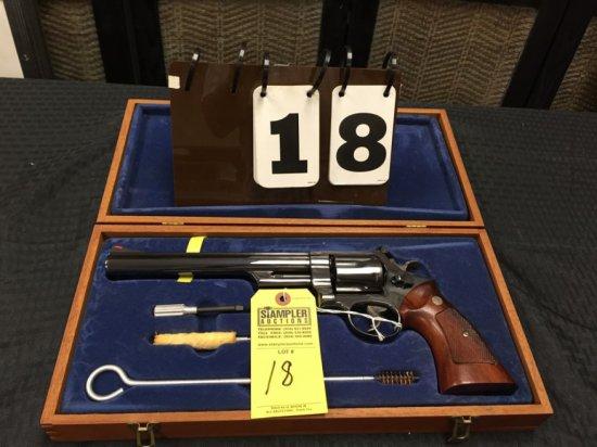 REVOLVER - SMITH & WESSON - 29-2 44REM MAGNUM - SERIAL #N466379 - DA - Wood / Blue; 8 3/8'' Barrel;