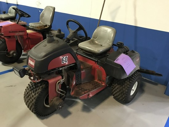TORO 08703 TRACTOR - SERIAL No. 290000140 - 6897.9 HOURS