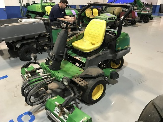 JOHN DEERE 2500 GREENS MOWER WITH TRUE-SURFACE VIBE V ATTACHMENTS - 4489 HOURS