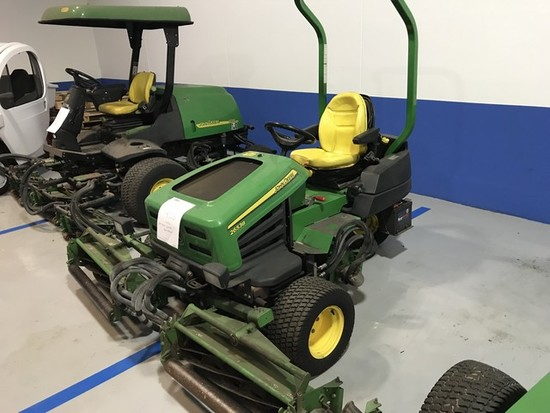 JOHN DEERE 2653B REEL MOWER - 1741.2 HOURS
