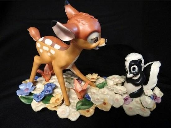 WALT DISNEY COLLECTIBLE - BAMBI & FLOWER