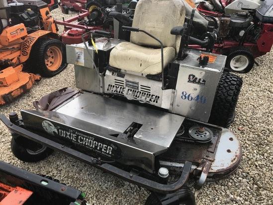 DIXIE CHOPPER XXWD5000 RIDE-ON MOWER (NEEDS REPAIRS)