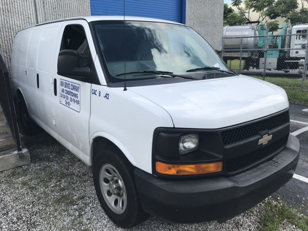2013 CHEVY 1500 EXPRESS VAN - 1GCSGAFX9D1136910 - WHITE - 56,831 MILES ON ODOMETER