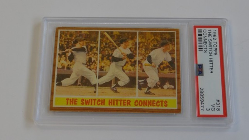 BASEBALL CARD - 1962 TOPPS #318 - THE SWITCH HITTER CONNECTS / MICKEY MANTLE - PSA GRADE 3