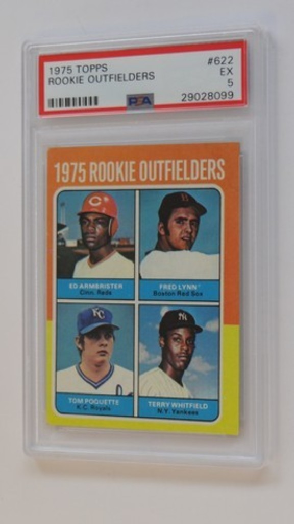 BASEBALL CARD - 1975 TOPPS #622 - ROOKIE OUTFIELDERS / FRED LYNN - PSA GRADE 5