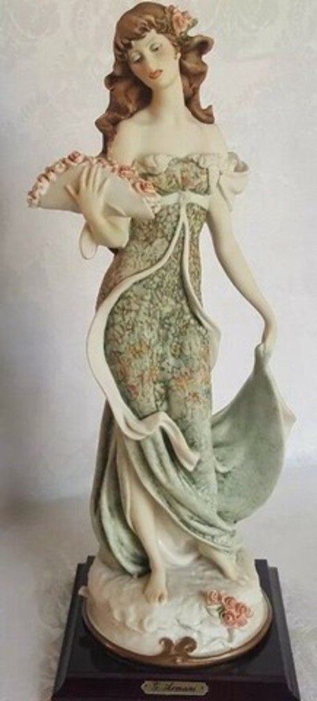 GIUSEPPE ARMANI COLLECTIBLE - LADY WITH FLOWERS - #0961-C