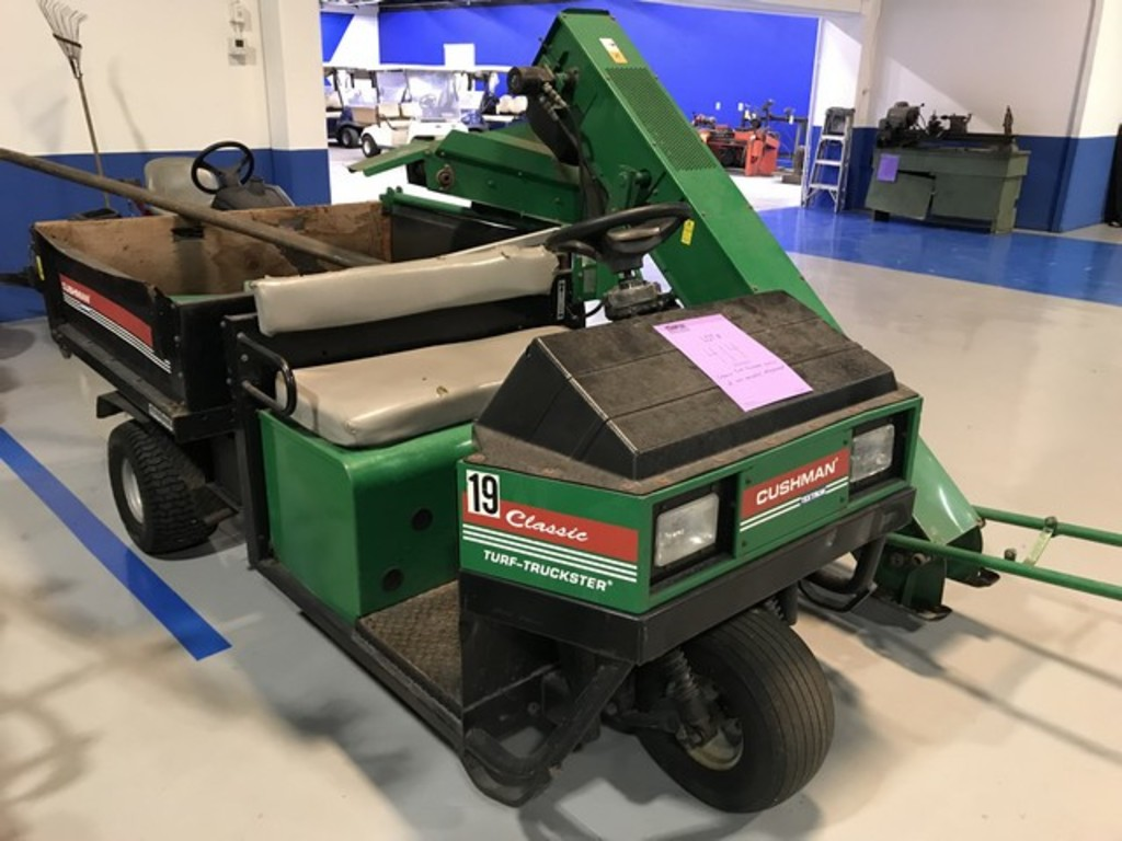 1999 TEXTRON CUSHMAN TURF-TRUCKSTER 898543C CLASSIC (18HP) WITH RYAN CORE HARVESTER 2701530 ATTACHME