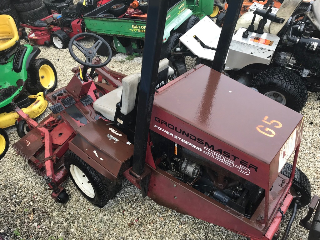 TORO GROUNDSMASTER 325-D MOWER (NEEDS REPAIRS)