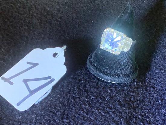 LADIES DIAMOND RING - 14K WHITE GOLD SETTING (5.4 DWT / STAMPED D044-D085 INSIDE SHANK) - RADIANT CU