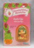 Café Ole' & Mocha Strawberry Shortcake Vintage Carded Mini Figure