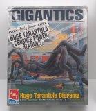 AMT Gigantics Huge Tarantula Diorama Model Kit