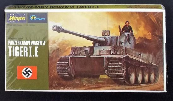 Hasegawa - 1/72 Scale Panzerkampfwagen VI Tiger I E Tank  Military Vehicle MiniCraft Model Kit
