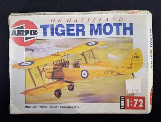 Airfix 1/72 Scale DeHavilland Tiger Moth Biplane Vehicle Model Kit