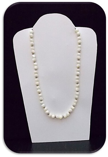 Necklace w/ Mother of Pearl & Beads