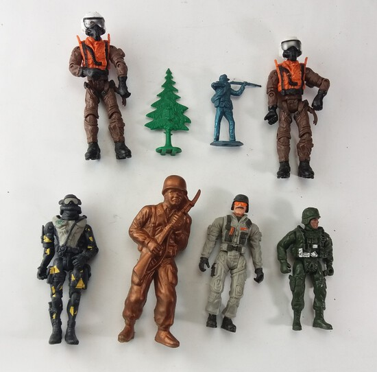 Collectible Lot of Assorted Vintage Military Toys
