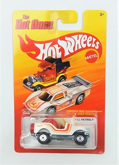 2011 Roll Patrol White Jeep Hot Wheels The Hot Ones Collectible Diecast Car