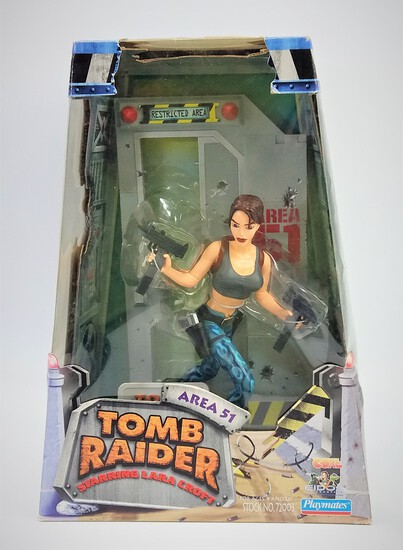 Lara Croft: Tomb Raider Area 51 Playmates 1999 Statue Diorama Figure
