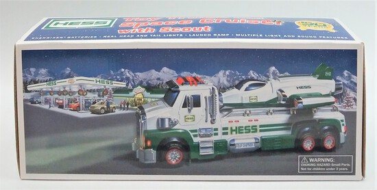 2006 Hess Truck Collectible in Packaging