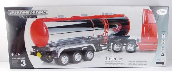 Testors Big Rigs Tanker Trailer 1/28 Scale Model