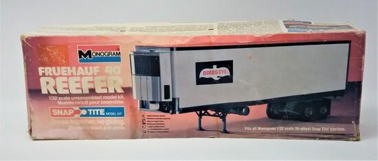 1/32 Scale Snap-Tite Fruehauf 40' Reefer Refrigerated Trailer Model Kit