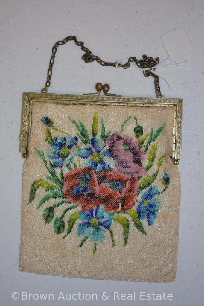 Vintage beaded purse, colorful flowers
