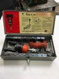 T & B hydraulic installing head