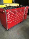 Snap-On rolling tool box with extension