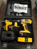 Dewalt XPR 10 volt impact driver with charger