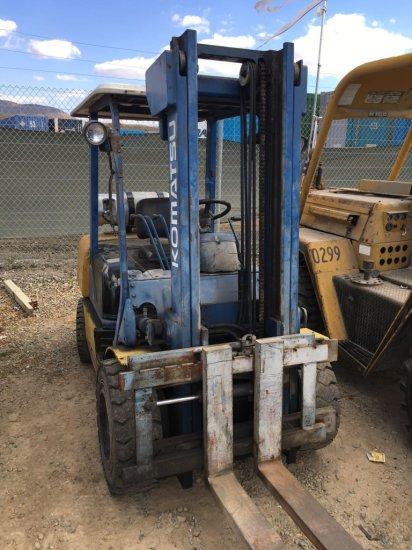 Komatsu 5000lb. Forklift Works, Runs on Propane