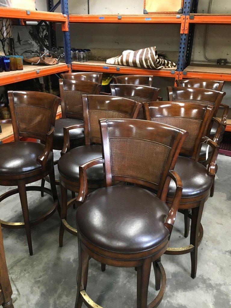 Lot Woodbridge Furniture Co Swivel Bar Stools 32 Tall At Seat X 19
