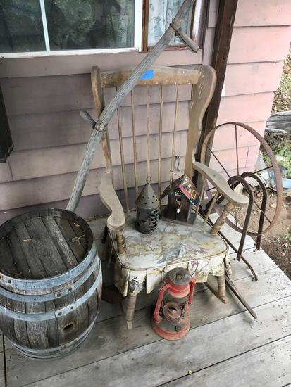 Mixed Lot, Rocking chair and assorted yard decorations (area 2)