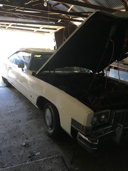 1973 Convertible Cadillac. Vin # 6L67S3Q448840 - MOTOR RUNS - started with jump wire SOLD AS IS
