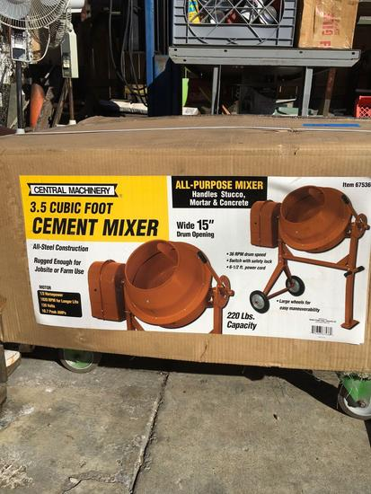 Central Machinery 3.5 Cubic foot cement mixer